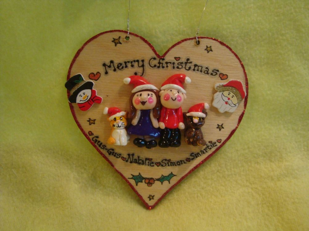 4 CHARACTER Christmas Themed FAMILY Heart 12 x 12 cm Decoration UNIQUE GIFT